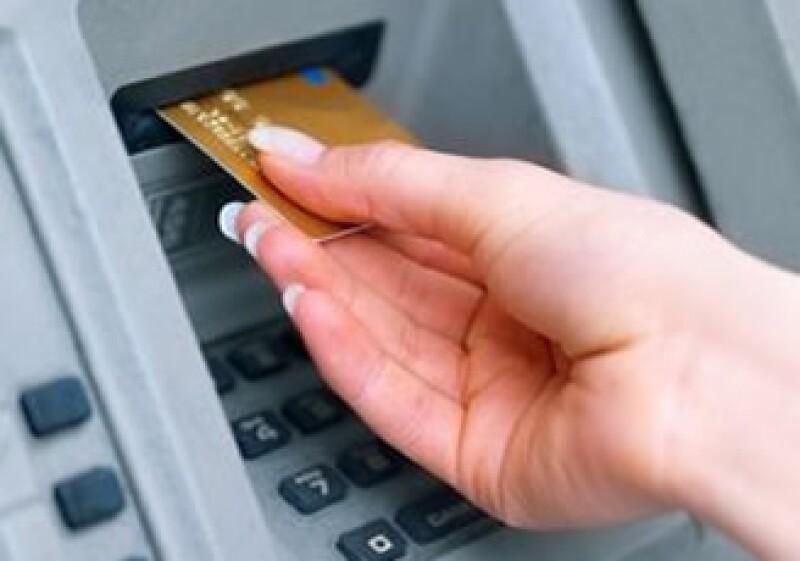 La tarjeta de crédito es el producto con mayores quejas en la Condusef (Foto: Archivo)