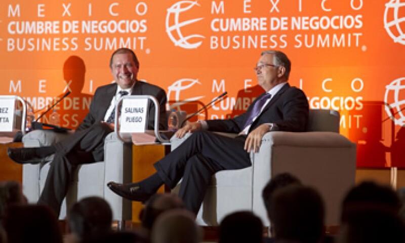 El Estado mexicano debe revisar sus tres papeles de participación económica: el de regulador, el de autoridad, y el de actor económico, dijo Pérez Motta -izquierda-. (Foto: Alfredo Pelcastre / Mondaphoto)