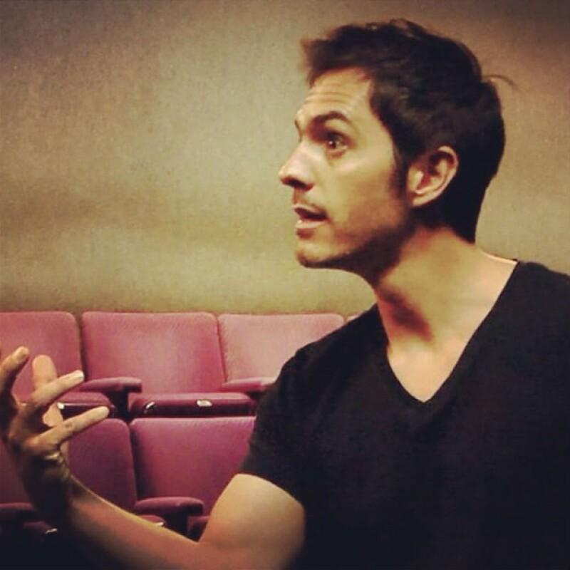 Mauricio reside en Los Angeles, donde se enfoca de lleno a su Acting Studio.