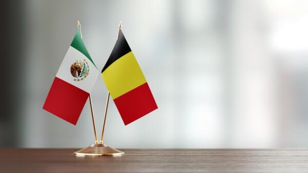 Banderas de Bélgica y México