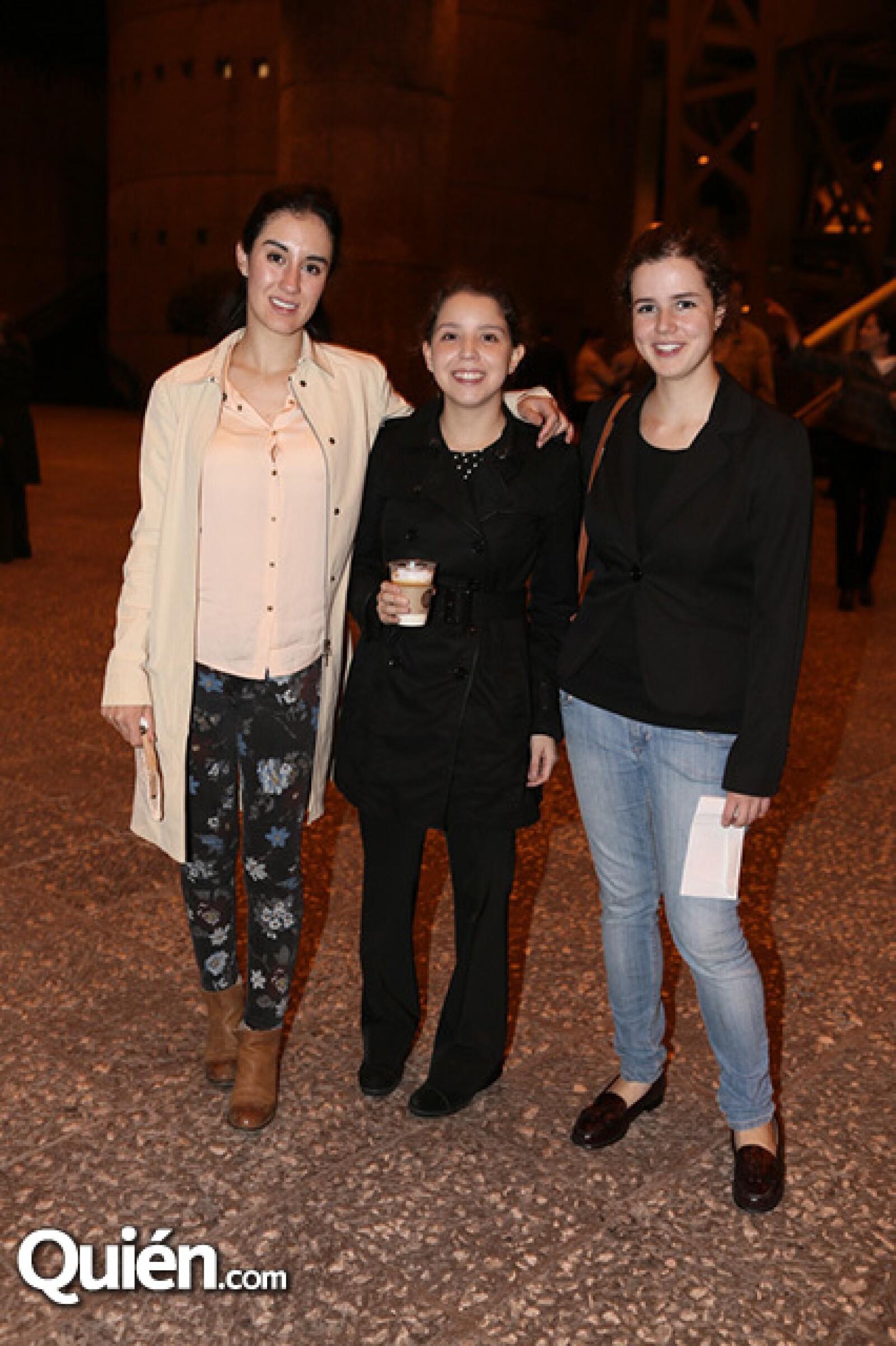 Paula Saavedra, María Gariiela León y Lucía Palomar