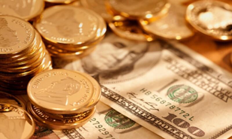 Las acciones de Goldman Sachs y JPMorgan Chase han saltado 2.4% luego de que se dieron a conocer la nueva regulación de liquidez para los bancos. (Foto: Getty Images)