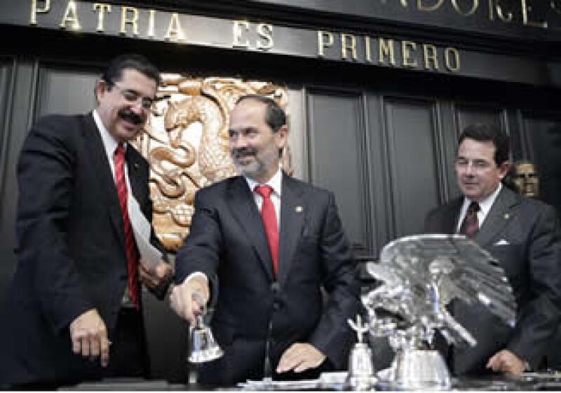 El presidente de la Comisión Permanente, Gustavo Madero, manifestó el respaldo de los poderes Legislativo y Ejecutivo de México a la mediación de Oscar Arias en el conflicto hondureño. (Foto: Notimex)