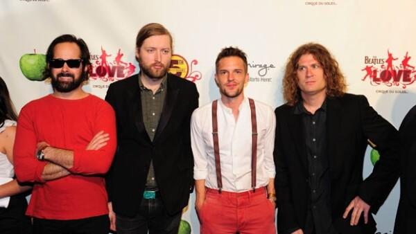 Esta es la segunda producción en la que  Burton colabora con esta banda.