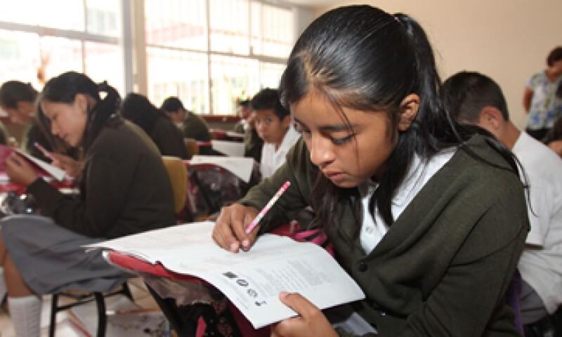 La organización pide recursos suficientes para la educación básica y superior a través de un gasto más eficiente. (Foto: Notimex)