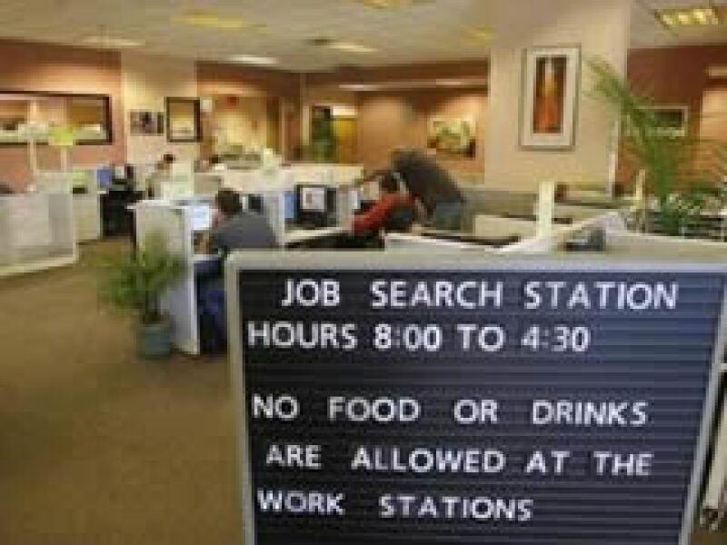 La crisis golpeará fuertemente al mercado laboral en el mundo. (Foto: Reuters)