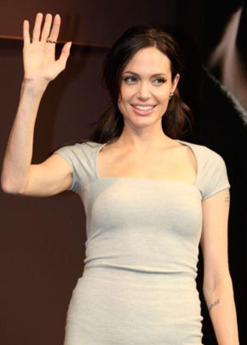 La actriz pidió al gobierno de Tailandia más libertad a decenas de miles de refugiados.