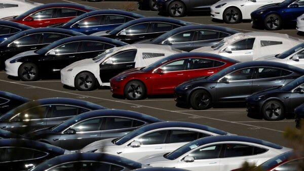 Tesla Model 3 logística Elon Musk