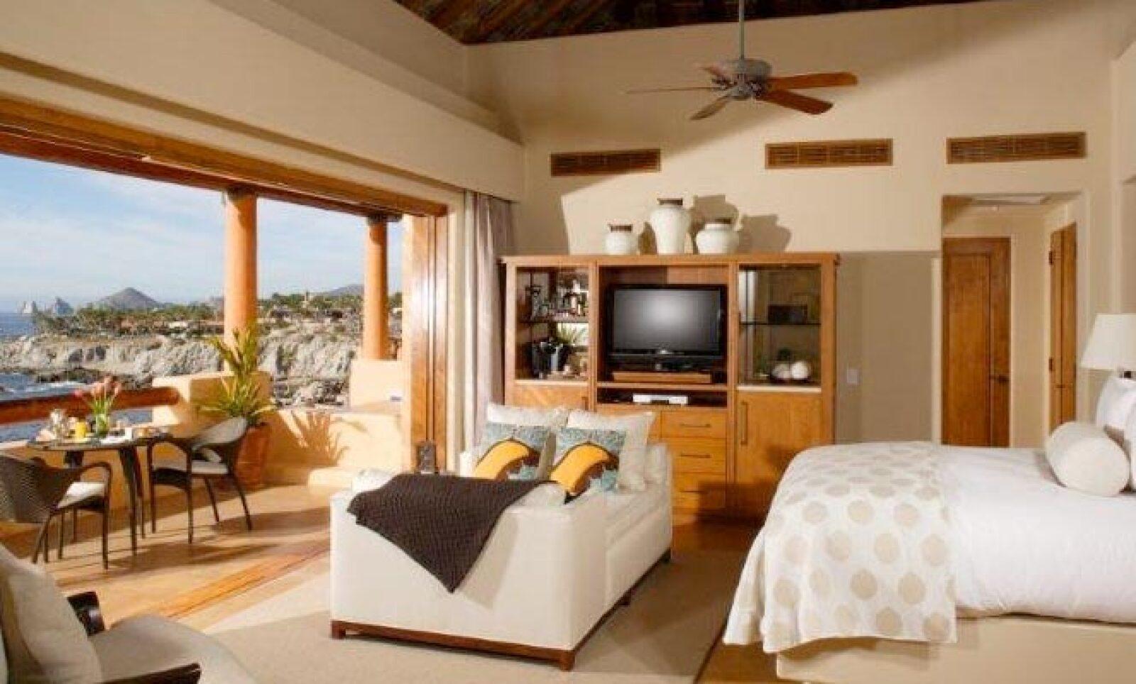 El destino está situado en los riscos que dominan dos ensenadas privadas en Punta Ballena, cerca de Cabo San Lucas.