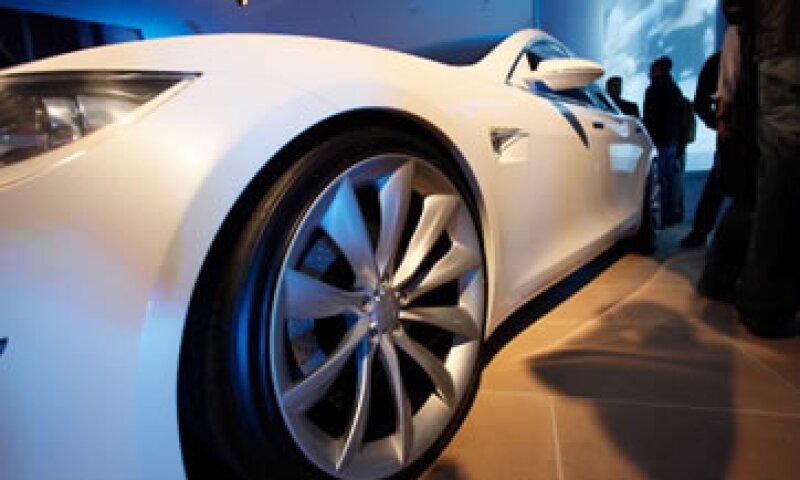 El vehículo libre de emisiones contaminantes no resulta demasiado caro para el sector pudiente. (Foto: Getty Images)