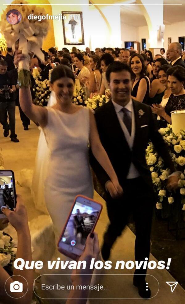 Checo y Carola al finalizar la ceremonia Religiosa