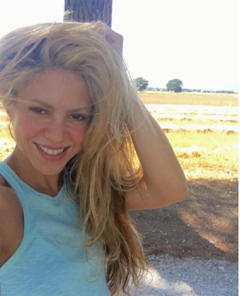 Esta es la selfie que Shakira se logró tomar después de media hora de intentos.