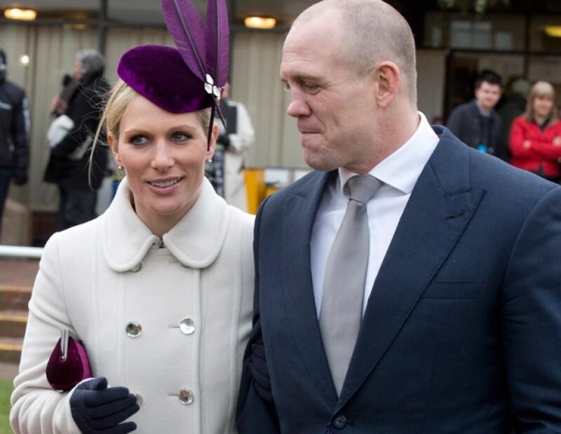 La nieta mayor de la reina Isabel II enrojeció de coraje luego de que un guardia de seguridad le impidiera acceder a la zona de ganadores.
