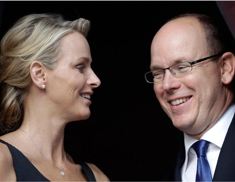 La última aparición pública de la pareja en el gran premio de Fórmula 1 del Principado ha vuelto a desatar un gran interés sobre el futuro sucesorio de la saga de los Grimaldi.