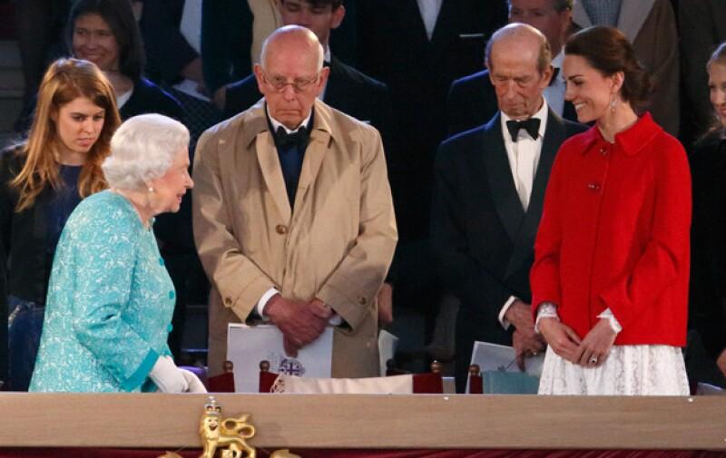 Lo que llamó la atención fue que Kate eligiera una prenda de la cadena Inditex para un evento de gala.