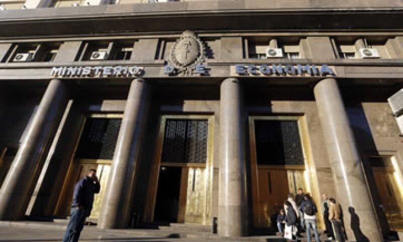 Argentina entró en cese de pagos por unos 100,000 mdd en 2001-2002. (Foto: Reuters)