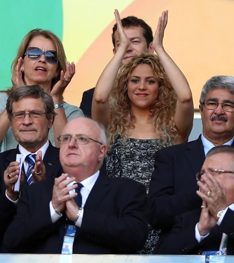 La cantante no podía faltar para apoyar a Gerard Piqué durante el partido de futbol con motivo de la Copa Confederaciones que se lleva a cabo en Brasil.