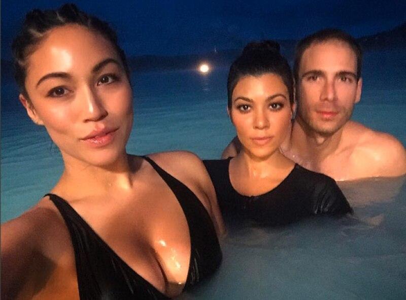 El viaje a Islandia fue para celebrar su cumple, sin embargo en ninguna foto aparece con su hermana Kim.