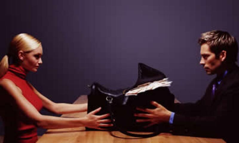 La Condusef recomienda contratar préstamos formales que ayuden a generar un buen historial crediticio. (Foto: Thinkstock)