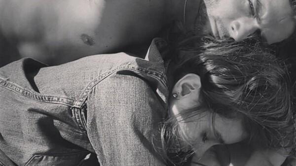 La actriz compartió la imagen más hot con el argentino desde que anunciaron su relación, dejándonos en claro que entre ellos hay una gran pasión.