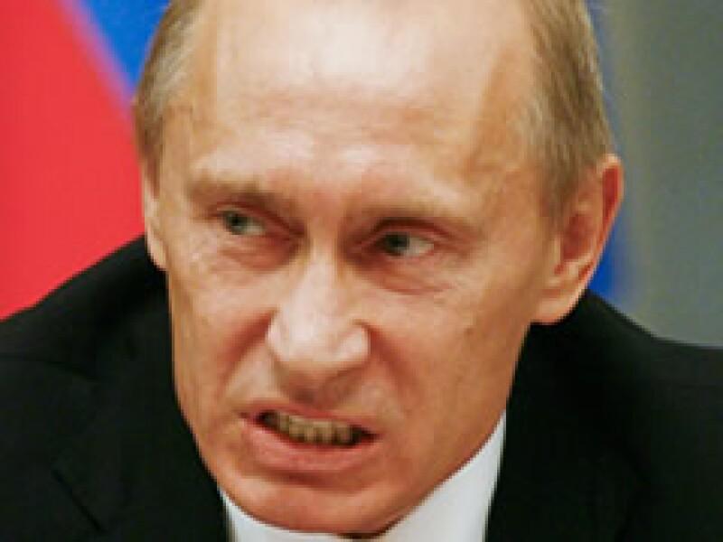 El primer ministro Vladimir Putin enfrenta su primera crisis económica. (Foto: Reuters)