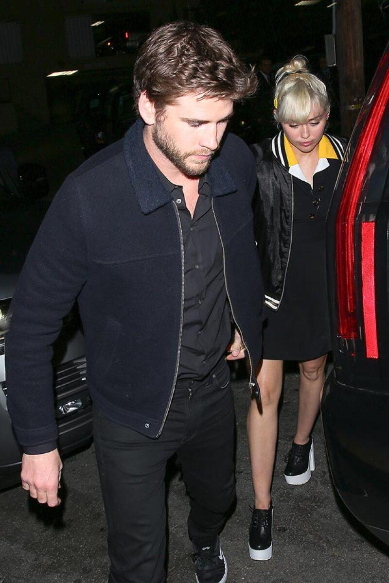 En medio de los rumores de una reconciliación, Miley y Liam fueron captados tomados de la mano al salir de un after party en Los Ángeles.