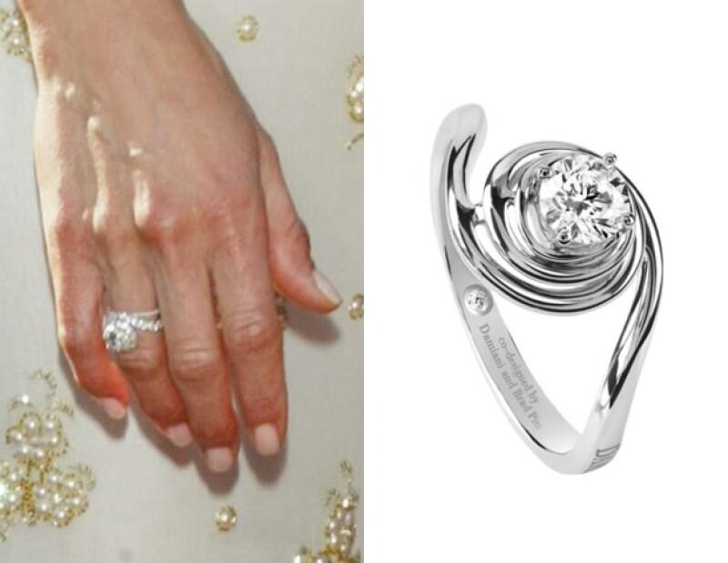 Silvia Damiani y Brad Pitt diseñaron la pieza Promise en conjunto. Una versión con la que él le propuso matrimonio a Jennifer Aniston sigue siendo una constante para la firma.