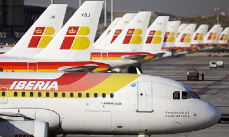 Los pilotos protestan por la falta de acuerdo para que sus derechos sean reconocidos en la operación de la nueva filial. (Foto: AP)