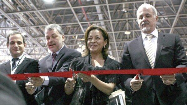 Josefina Vázquez Mota, secretaria de Educación Pública, acudió a la inauguración de la FIL en representación de Felipe Calderón.
