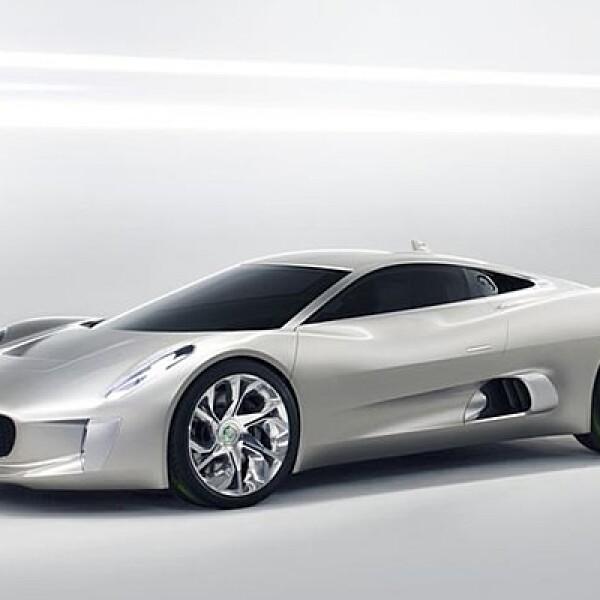 Jaguar conmemora en el Salón de París 2010 sus 75 años de existencia con la revelación de un vehículo conceptual denominado C-X75, un súper deportivo biplaza eléctrico de rango extendido. El vehículo es capaz de acelerar de 0 a 100 km/h en 3.4 segundos y