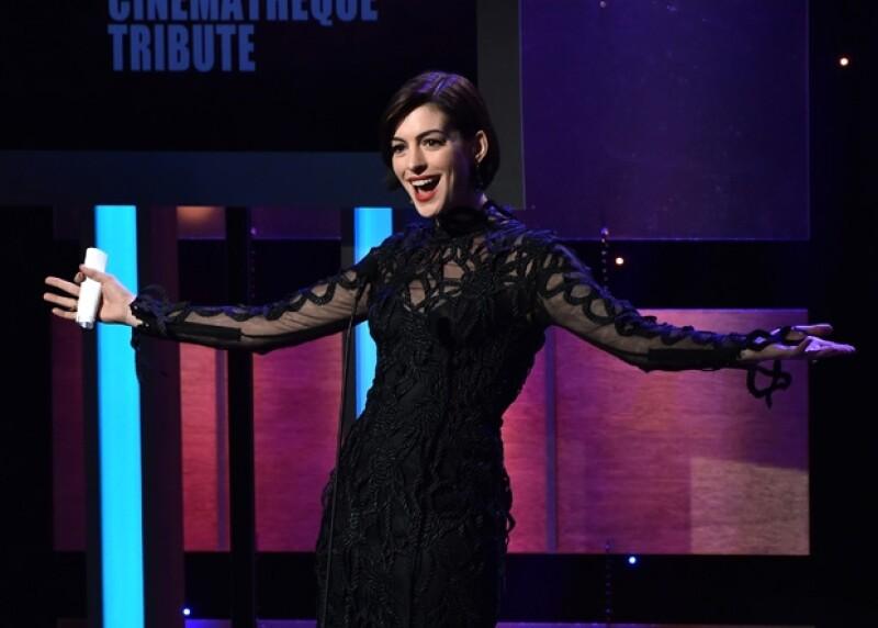 Anne Hathaway platicó su penosa experiencia durante su discurso en el homenaje organizado para celebrar los 25 años de carrera del actor.