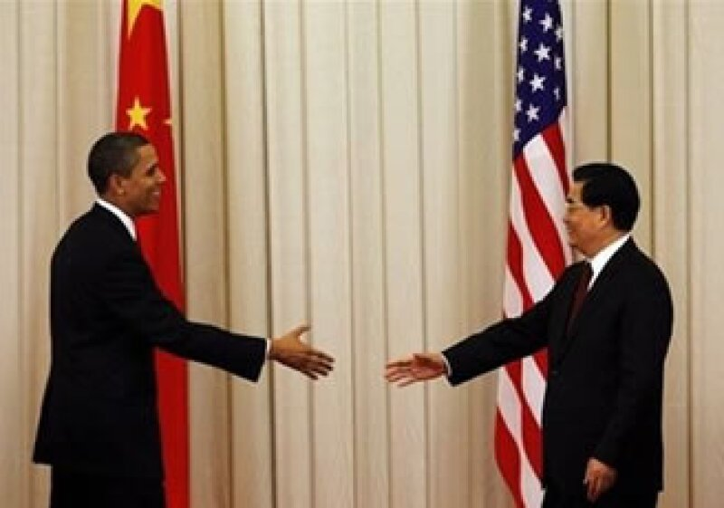 Tras dos horas de conversaciones, los presidentes Barack Obama de Estados Unidos y Hu Jintao de China se mostraron dispuestos a dejar atrás sus diferencias.  (Foto: AP)
