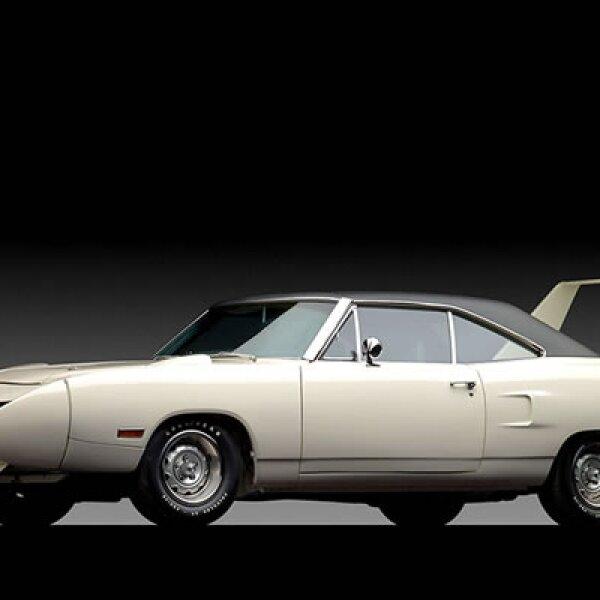 Este auto, de una belleza quizá no ordinaria, fue subastado por la cantidad de 363,000 dólares en la subasta de RM Auction.