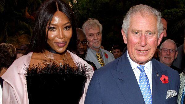 Así felicitó Naomi Campbell al príncipe Carlos