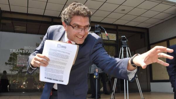 Ríos Piter en el Tribunal Electoral