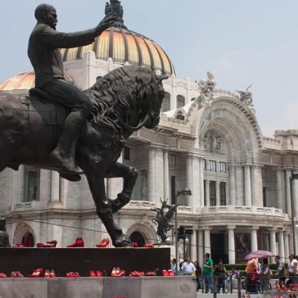 Afuera del Palacio de Bellas Artes