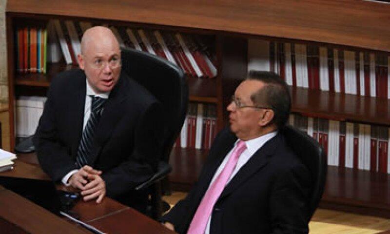 Los magistrados Salvador Olimpo Nava y Pedro Esteban Penagos López, entre los responsables de la calificación de las elecciones. (Foto: Notimex)