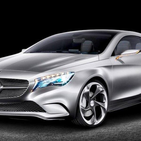 La automotriz alemana presentó el nuevo Concept Clase A, dentro de la feria de automóviles en Shanghai, China.
