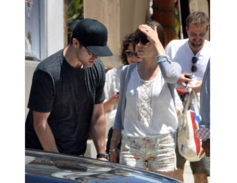 La prometida del cantante visitó dicho país para disfrutar algunos días en compañía de su futuro esposo.