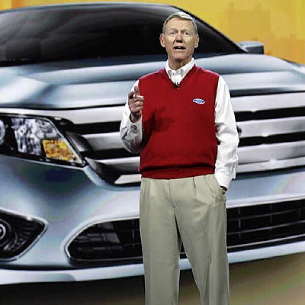 La fabricante de autos, Ford, reveló que sus autos contarán con un panel electrónico táctil que, además de desplegar las funciones y estados del auto, se conectará a Internet y se manipulará por medio de comandos de voz.