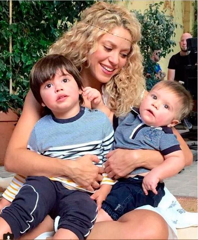 La cantante presumió a los pequeños Milan y Sasha, quienes son sus gurús, según publicó en Instagram.