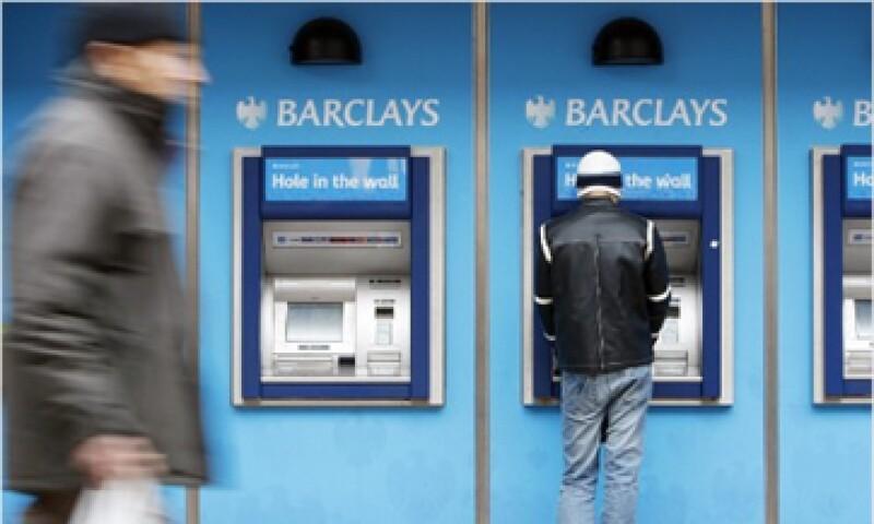 Barclays pagó una multa de 453 mdd al confesar la manipulación de la tasa Libor.  (Foto: Cortesía CNNMoney)