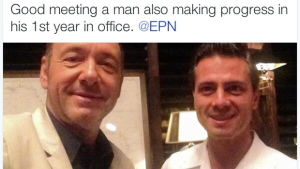 El actor estadounidense dio una conferencia en Cancún y fue ahí donde se encontró al Presidente, se tomó una foto con él y la compartió con sus seguidores.