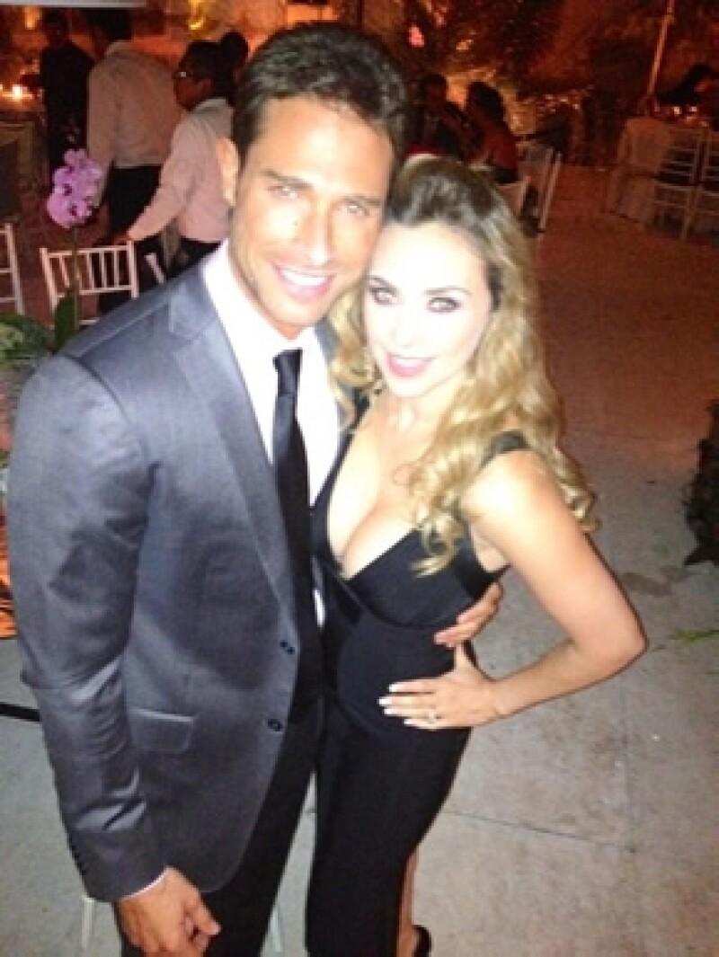 Aquí Sebastián y Aracely en la boda de Juan Cristóbal Salinas y Natalia Esponda el 22 de septiembre pasado.
