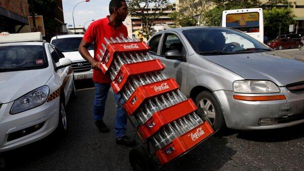 Trabajadores de Coca-Cola en Venezuela, liquidados temporalmente.