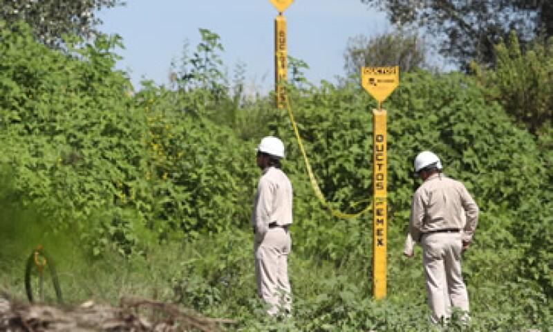En México se han hecho cada vez más frecuentes los robos de crudo, gasolinas y otros combustibles que circulan a través de la red de ductos de Pemex. (Foto: Notimex)