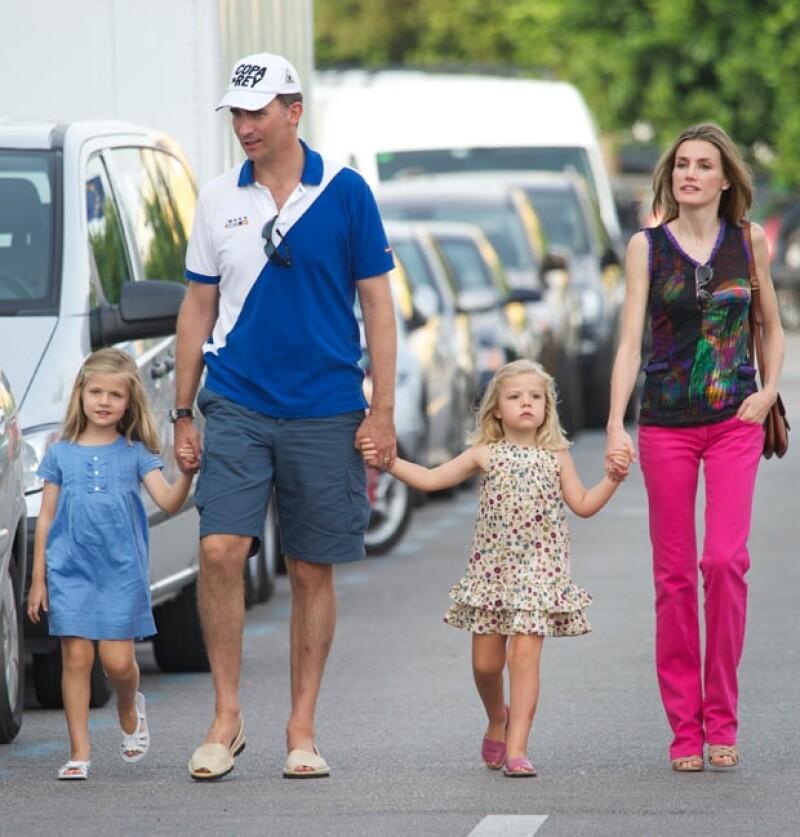 Muchos padres de familia se han quejado de la extrema seguridad que el equipo de la Princesa tiene cuando sus hijas Leonor y Sofía acuden a fiestas.