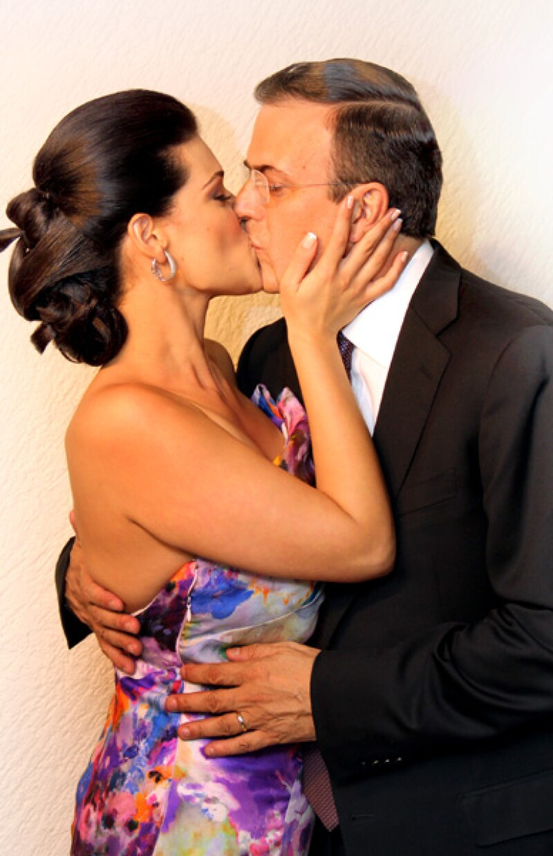 El jefe de gobierno capitalino y su esposa se casaron por el civil.