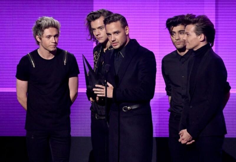 Los integrantes de la boy band británica se mostraron muy emocionados por el importante premio que recibieron.