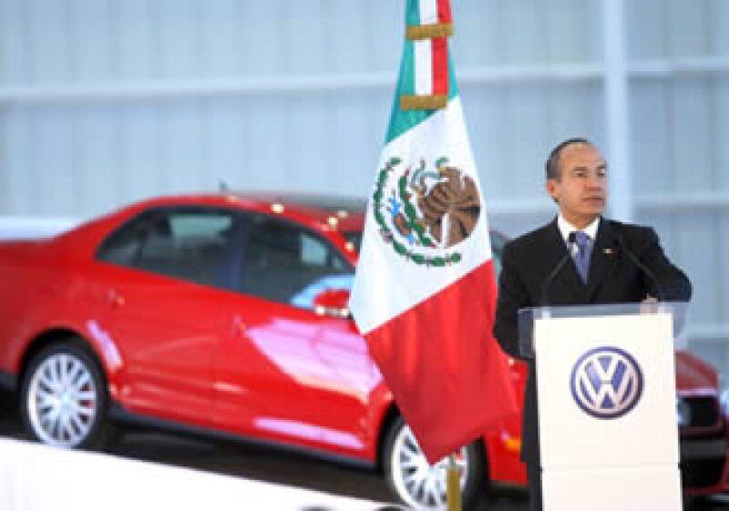 Calderón anunció la ampliación de la planta Volkswagen de México. (Foto: Notimex)